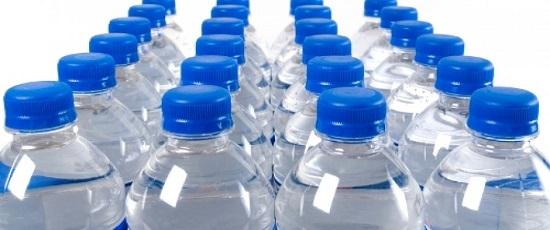 первая пластиковая бутылка