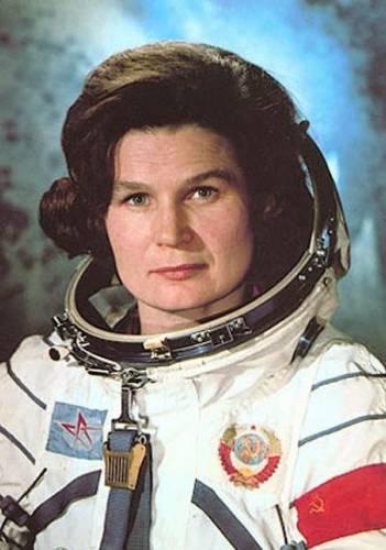 Валентина Терешкова - первая женщина в космосе.