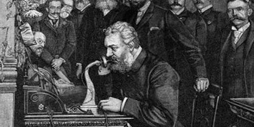 кто изобрел первый телефон