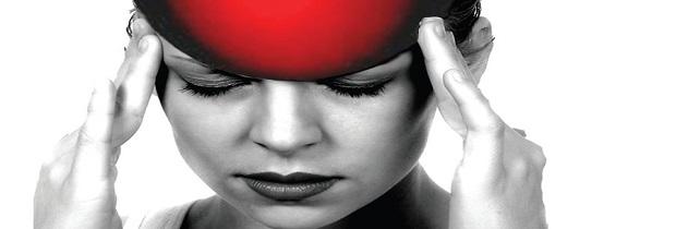 почему болит голова после