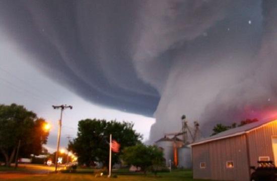 природное явление торнадо