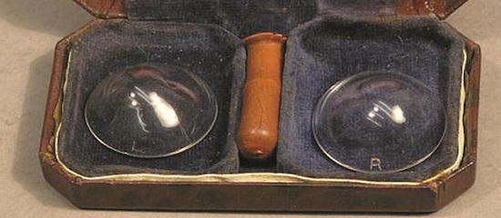 первые контактные линзы