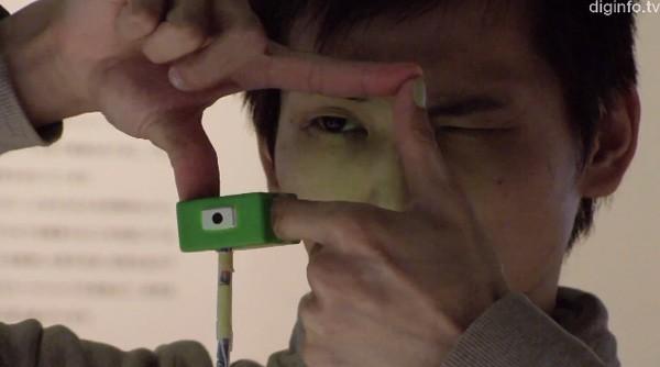 миниатюрная камера с оригинальным управлением