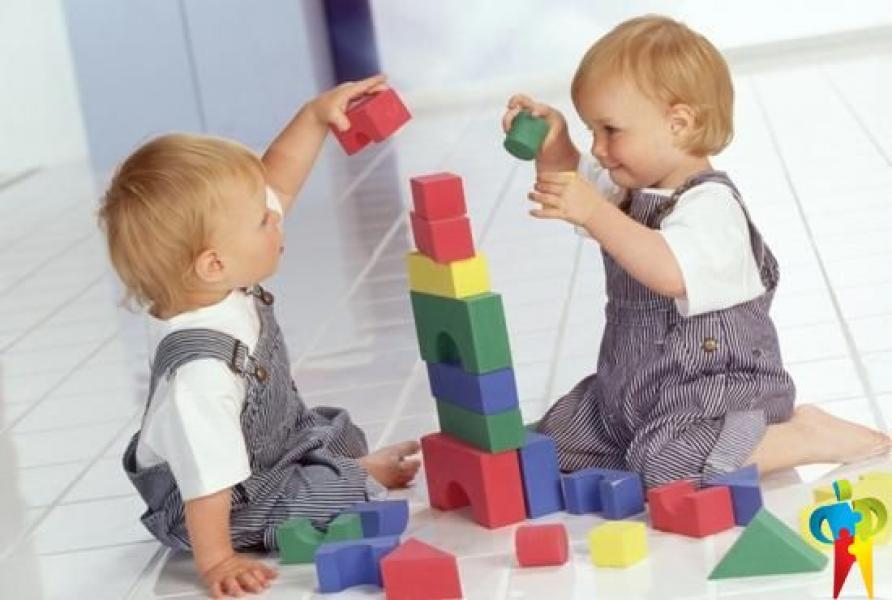 Игры на полу для детей