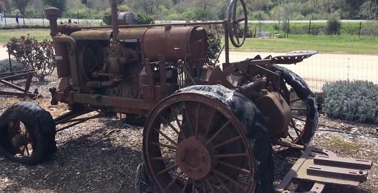 первые трактора